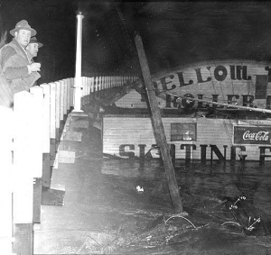 Mellow Moon Skating Rink against the bridge during January 1943 flood. Photo Credit: Salem Public Library - Ben Maxwell collection #12002