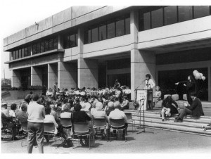 Sue Harris Miller Addressing Crowd at City hall c. 1983. Al Jones Collection, WHC 2007.001.0270